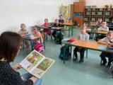 Pasowanie uczniów klas pierwszych na czytelnika